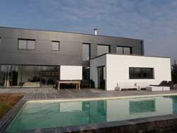 Maison contemporaine bardage Trespa et enduit