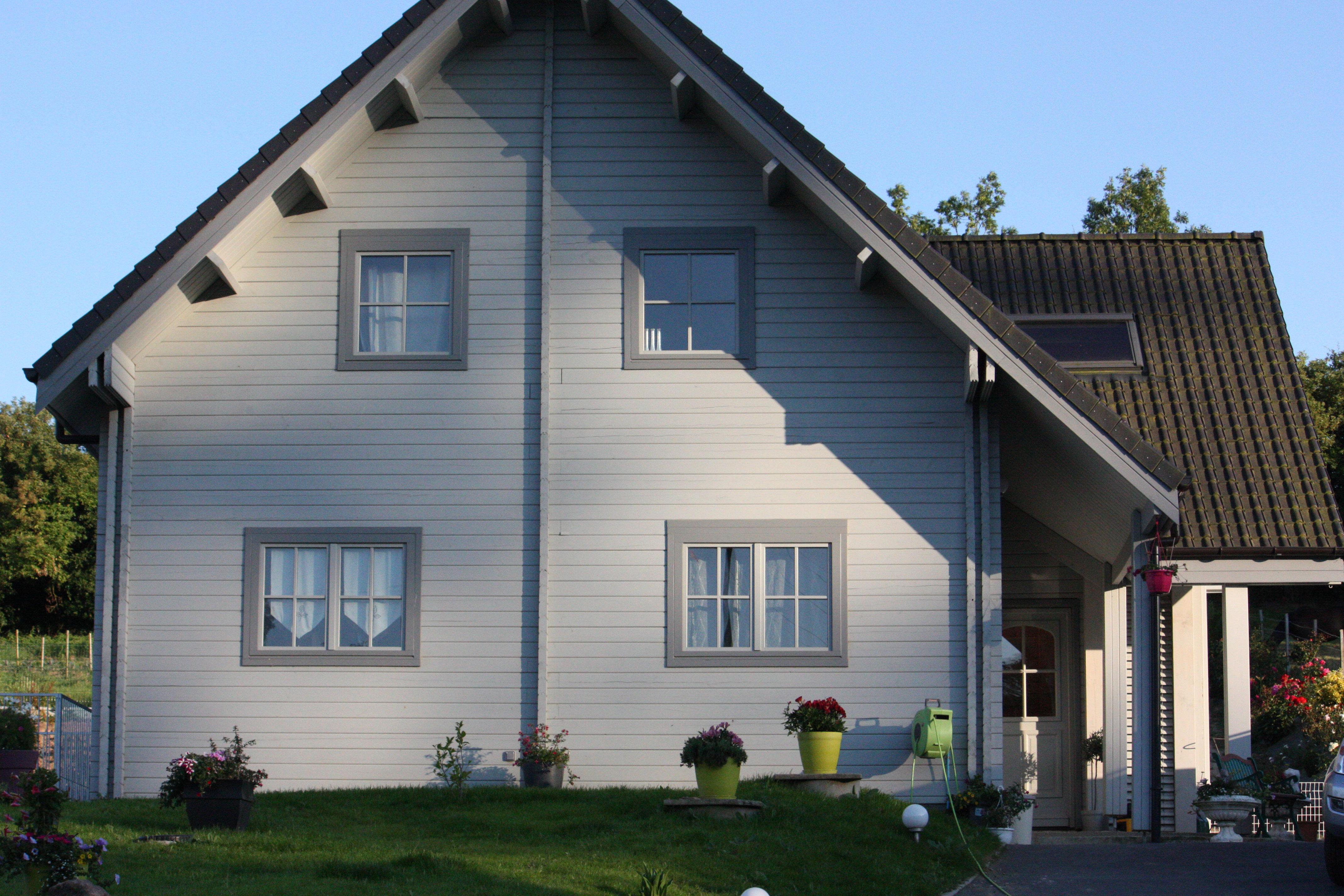 Construction maison en madrier de bois et maison en bois pas cher - Estimation toiture maison ...
