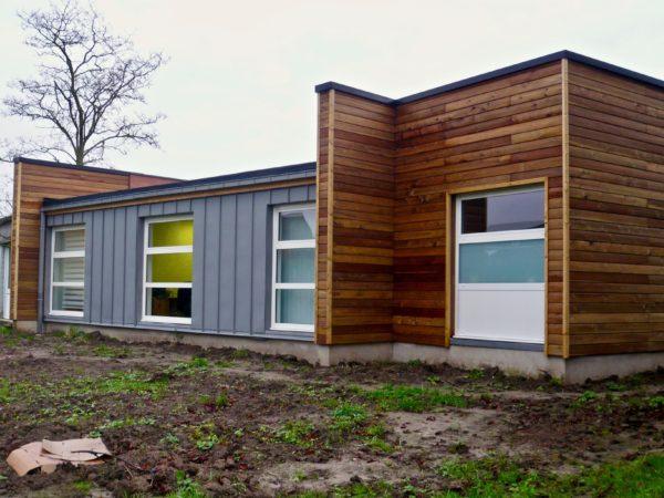 Cabinet maison moderne chalet en bois