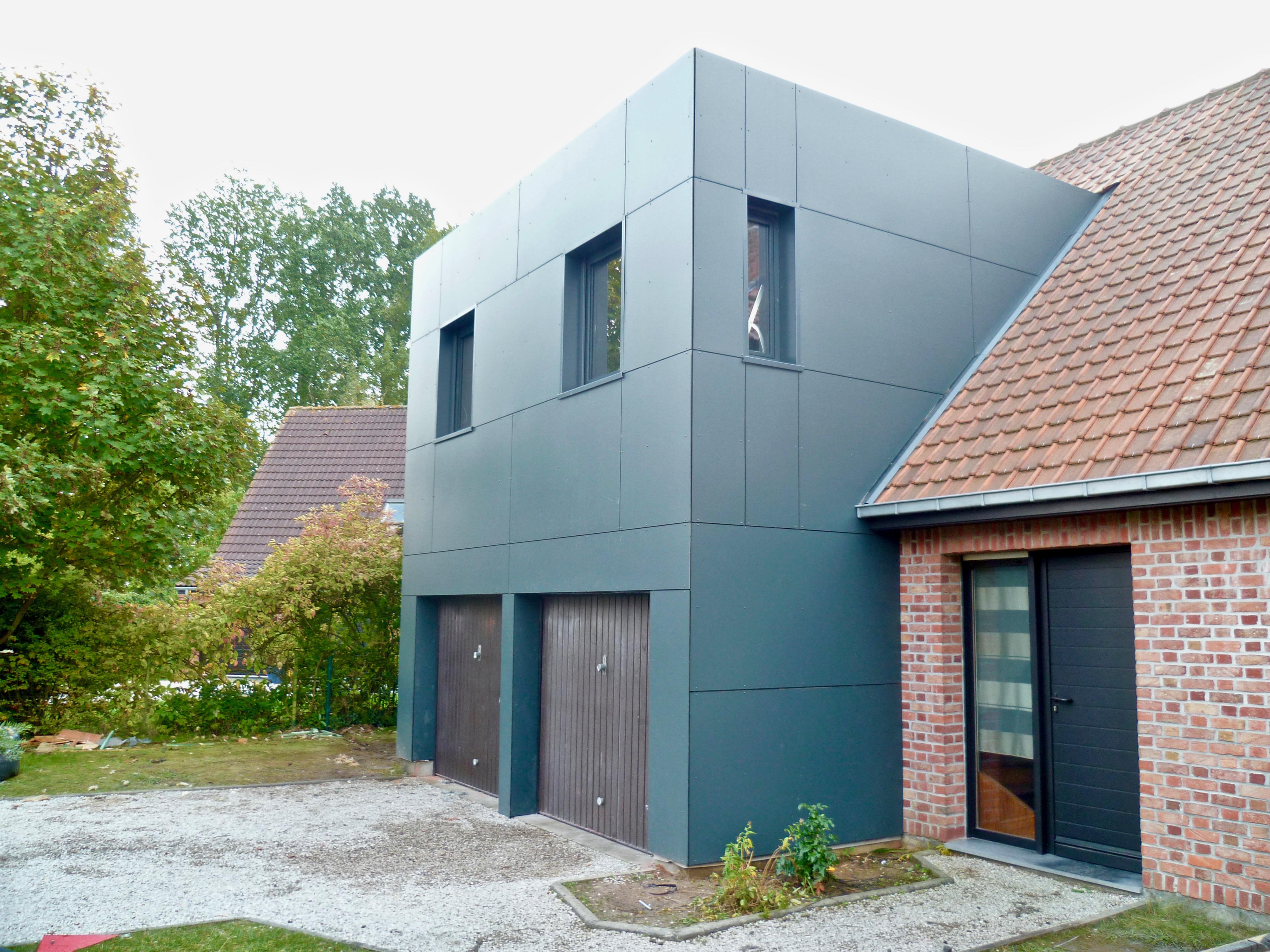 extension moderne d-etage en Trespa