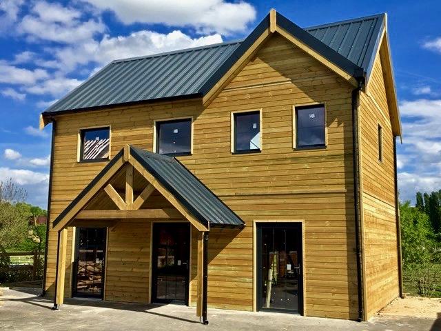 Maison bois avec porche