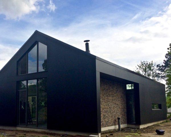 maison contemporaine en brique et Trespa