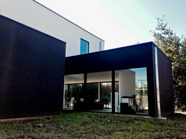 maison contemporaine en enduit