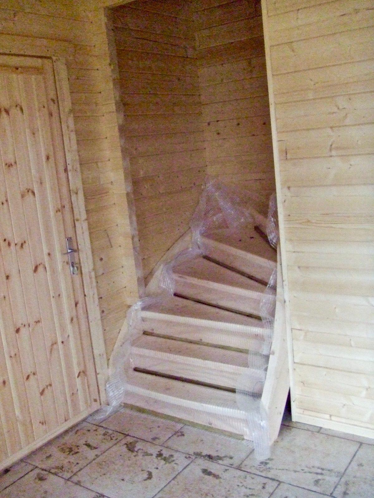 maison en madrier à structure symetrique 5