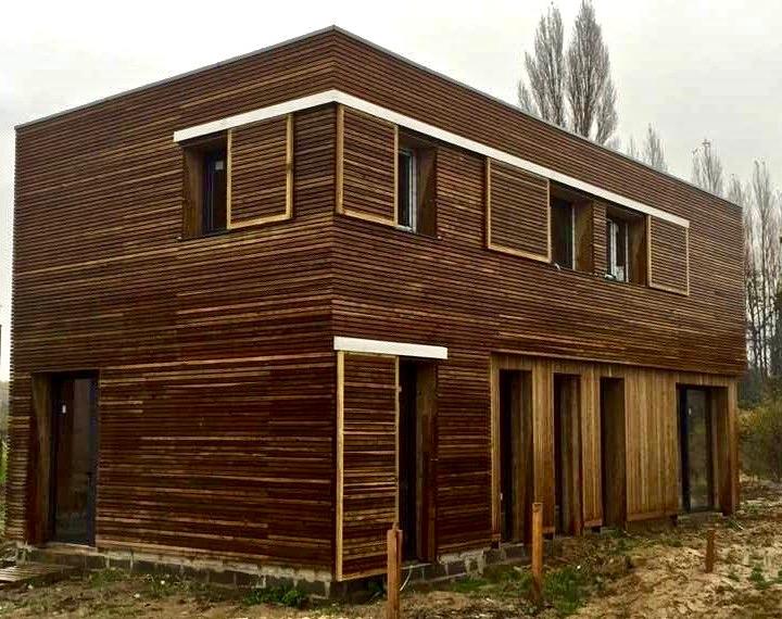 Maison moderne «tout en bois»