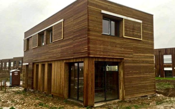 """maison moderne """"tout en bois"""""""