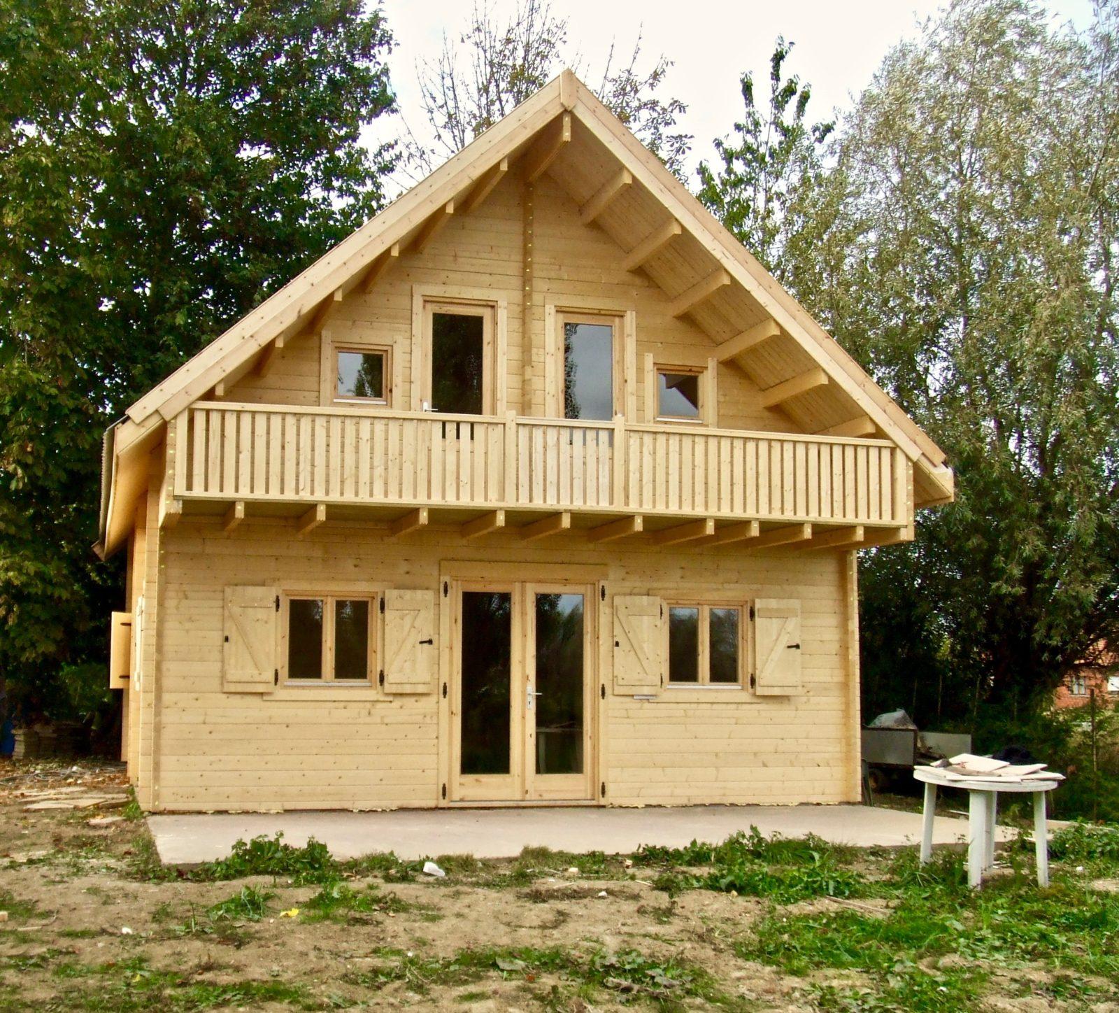 maison en madrier à structure symetrique 1