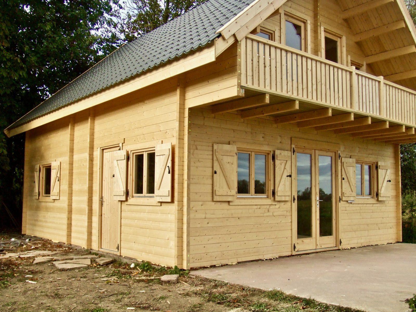 maison en madrier à structure symetrique 3