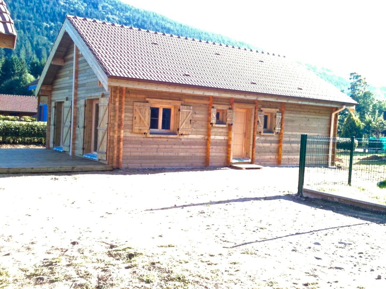 maison en madrier montagnarde traditionnelle 2