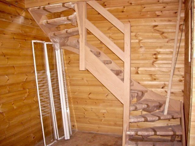 maison en madrier traditionnelle avec poutres apparentes 5