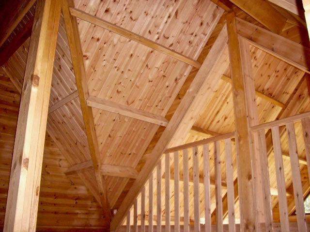 maison en madrier traditionnelle avec poutres apparentes 6