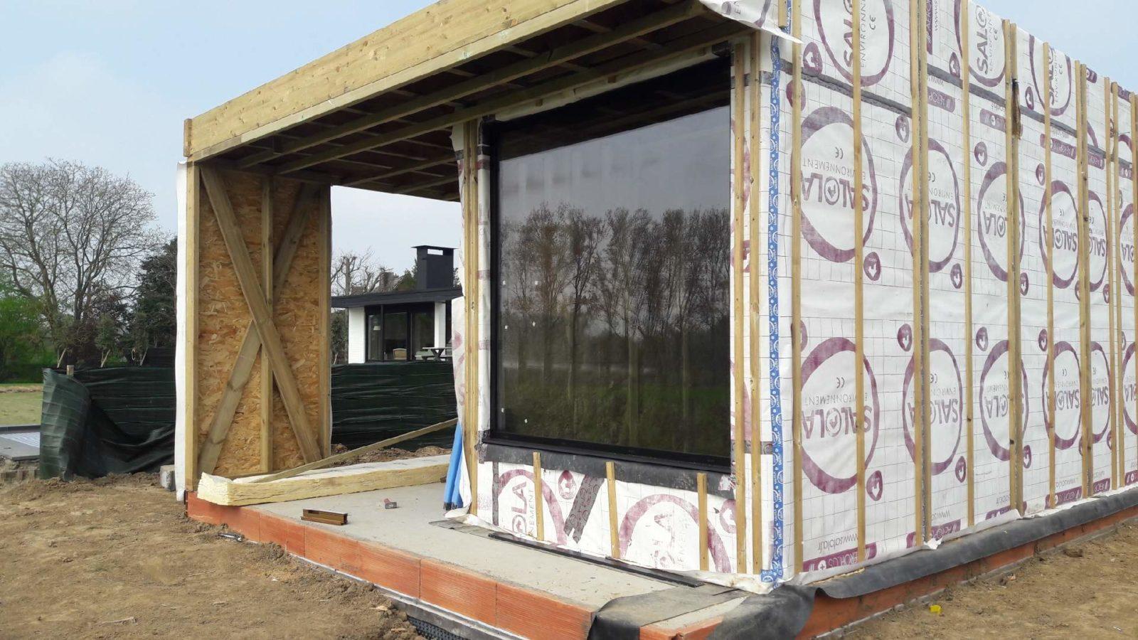 Pool House ossature bois en cours de construction